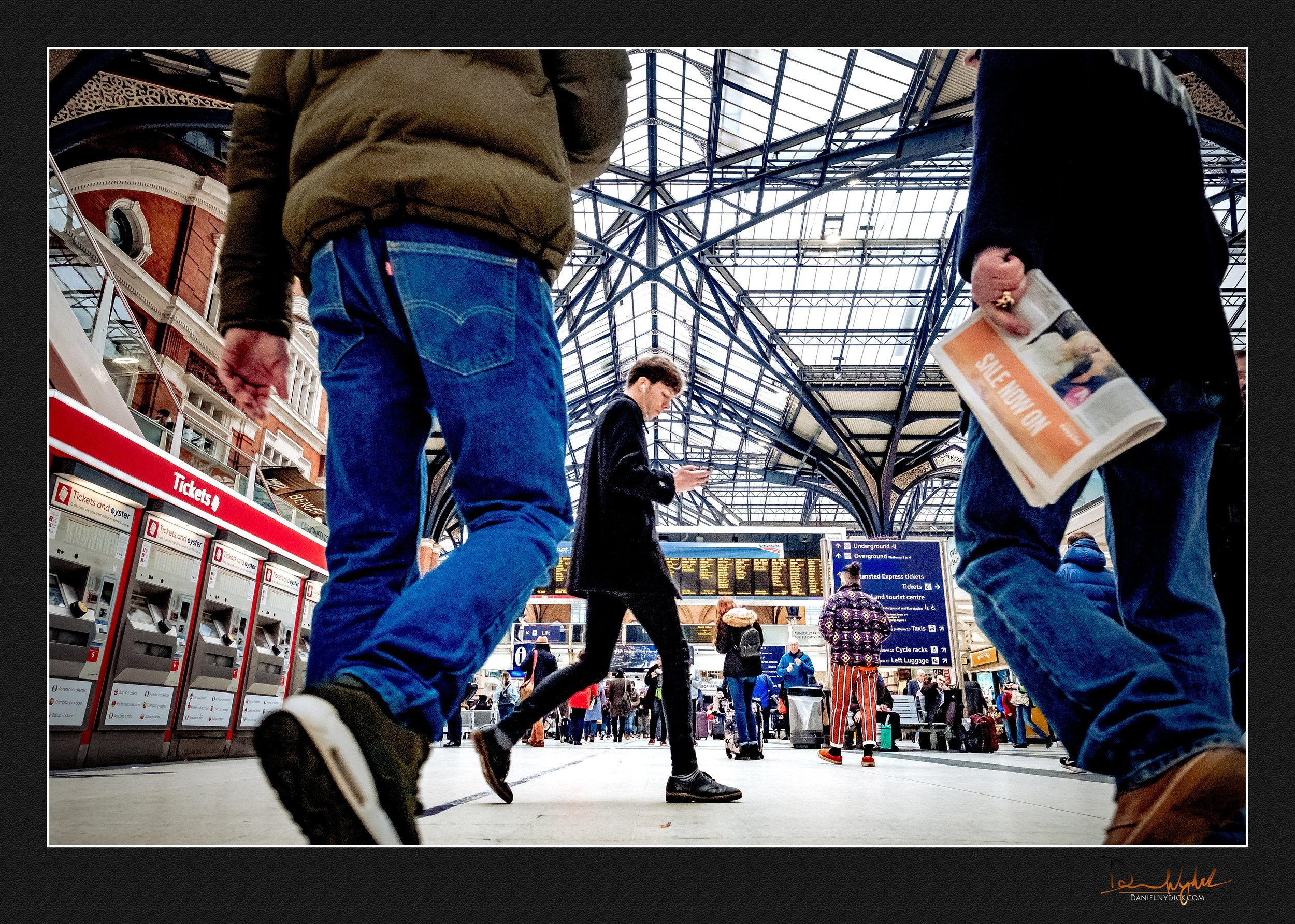 liverpool station, tube, train, street photography