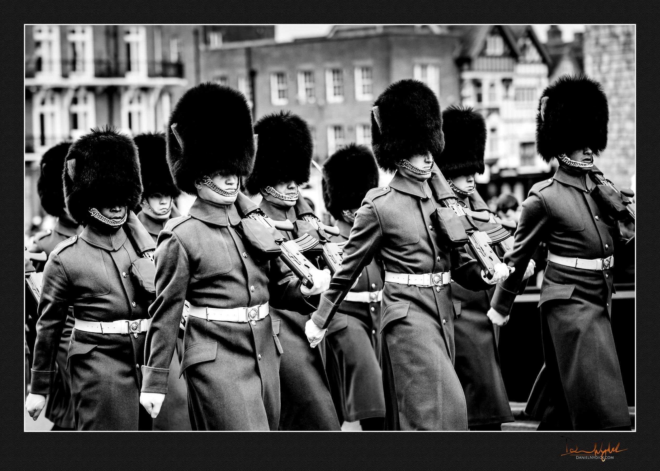 windsor gurads marching, rifle
