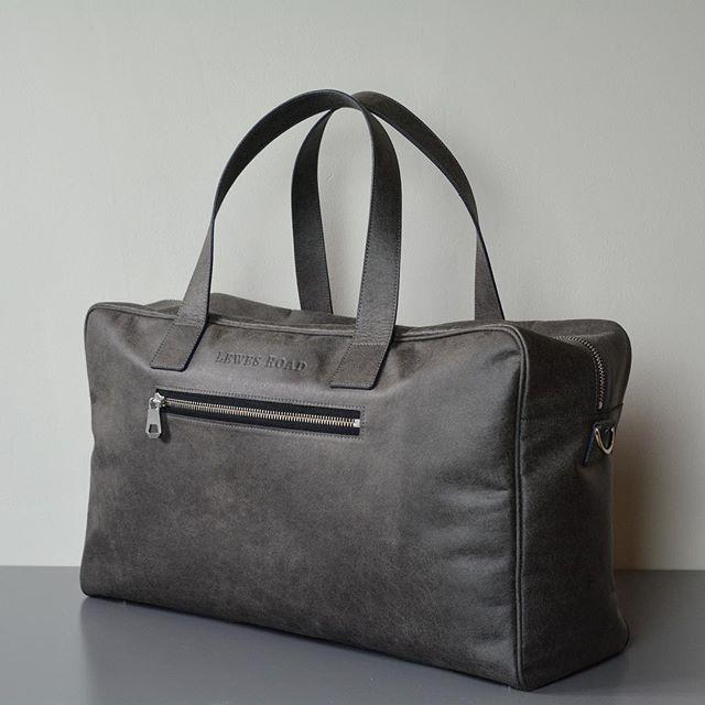 THE bag for the weekend ♻️ . . . #2019 #weekend #weekendtrip #weekendplans #weekendbag #bag #leathergoods #leatherbag #getaway #citybreak #trip #travelbag #travel #travelaccessories #travelholic #travelgram #vacation #roadtrip #mensbag #womensbag #bagsofinstagram #handmade #luxurybag #luxurybags #british #recycled #ecofashion #recycledleather #premiumbrand #fashion