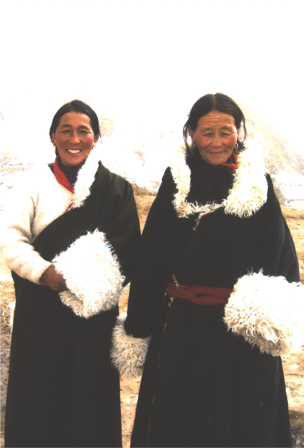 traditionaltibetanwomen.jpg