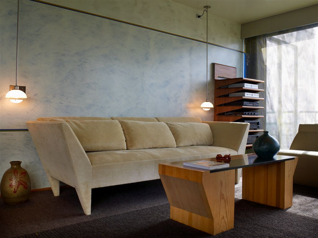 gorelik couch.jpg
