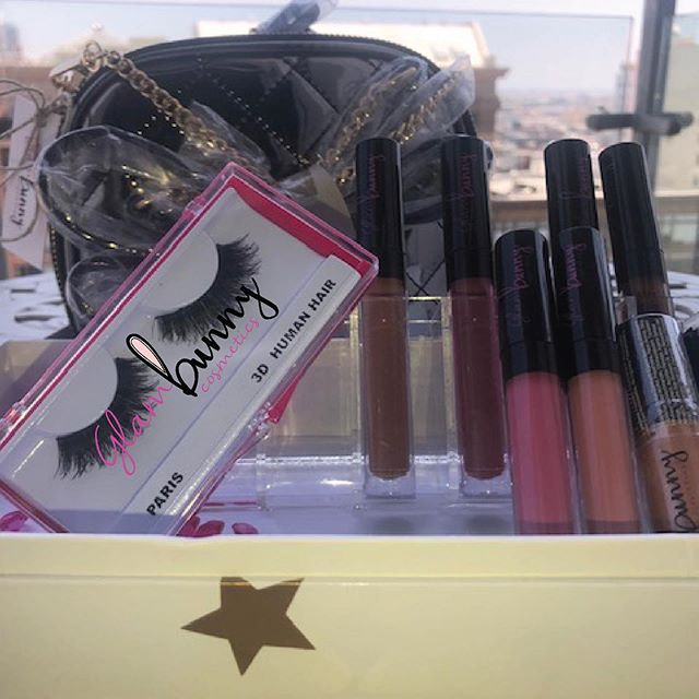 GIVEAWAY!!! @glambunnycosmetics is giving away 6 Vegan Liquid Lipsticks, a pair of 3D Human Hair Strip Lashes a Metallic Satchel and 2 Luxe Lipglosses as well as partnering with @lashlushhh to give away a set of Free Classic Vegan Eyelash Extensions (Vegan eyelash extensions apply if you live in the LA area) - [ ] you must Follow @glambunnycosmetics  And @lashlushhh - [ ] In the comments tag 3 friends You can enter as many times as you want - [ ] repost this photo on your feed /story  Random drawing will be held June 21 !!! And GO! (This giveaway is not sponsored by Instagram) • • • • #vegan #liquidlipsticks #giveaway #mattelipstick #losangeles #mua #makeup #makeupfreak #freelancemua #bunnies #instaglam #slay #instabeauty #tarte #ulta #kyliejennerlips #kylielipkit #lipkit #hudabeauty #toofaced #ilmakiage #kikomilano #crueltyfree #veganeyelashes #giveaway #makeupgiveaway