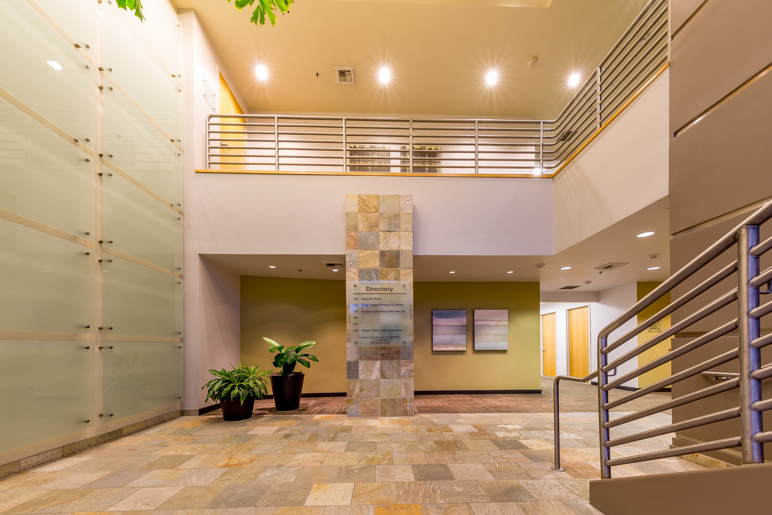 800 Lobby 3.jpg
