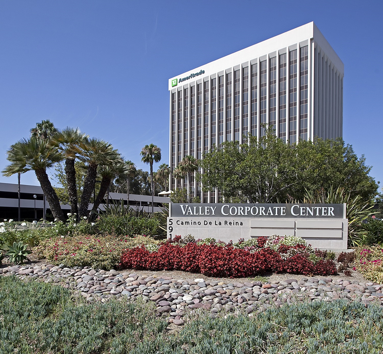 Valley Corporate Center (main).jpg