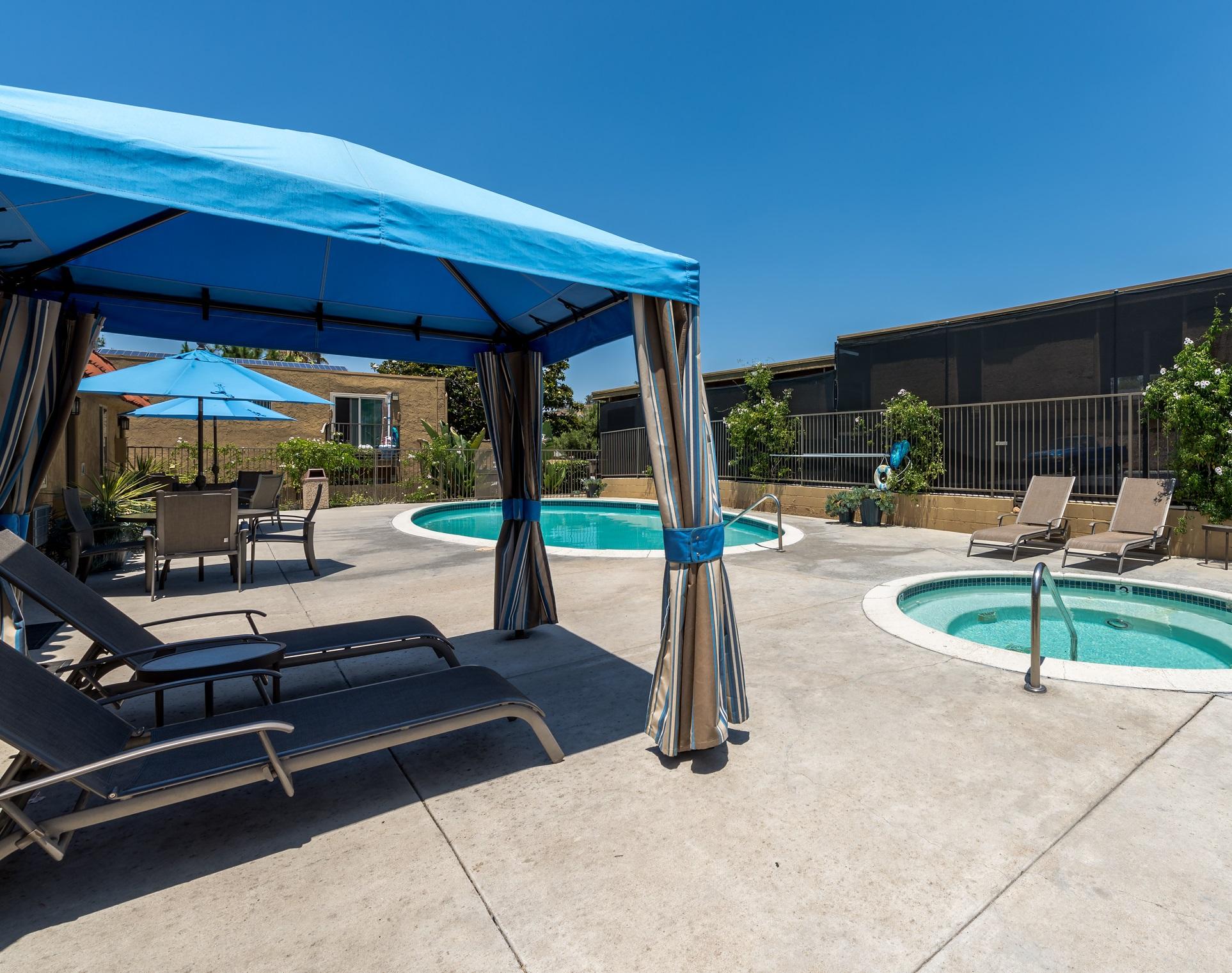 Cabana Pool & Spa - Cropped.jpg
