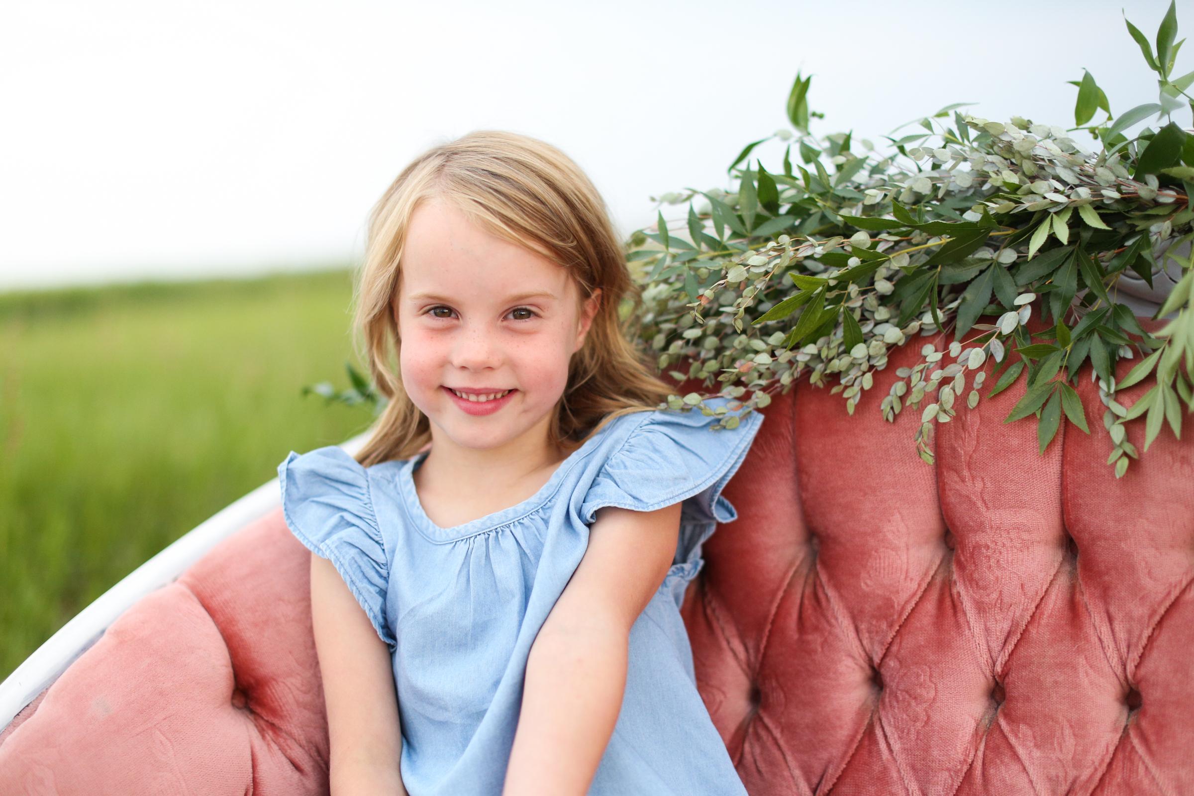 Lindsay_Skeans_Photography-Sofa_Sessions-9.jpg