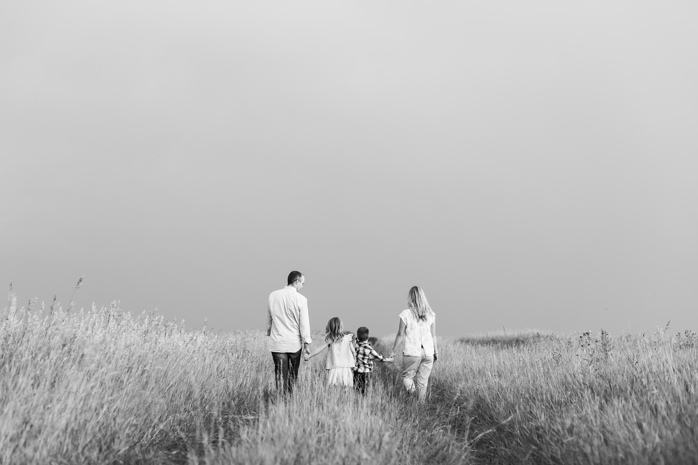 Lindsay_Skeans_Photography-Sofa_Sessions-22.jpg