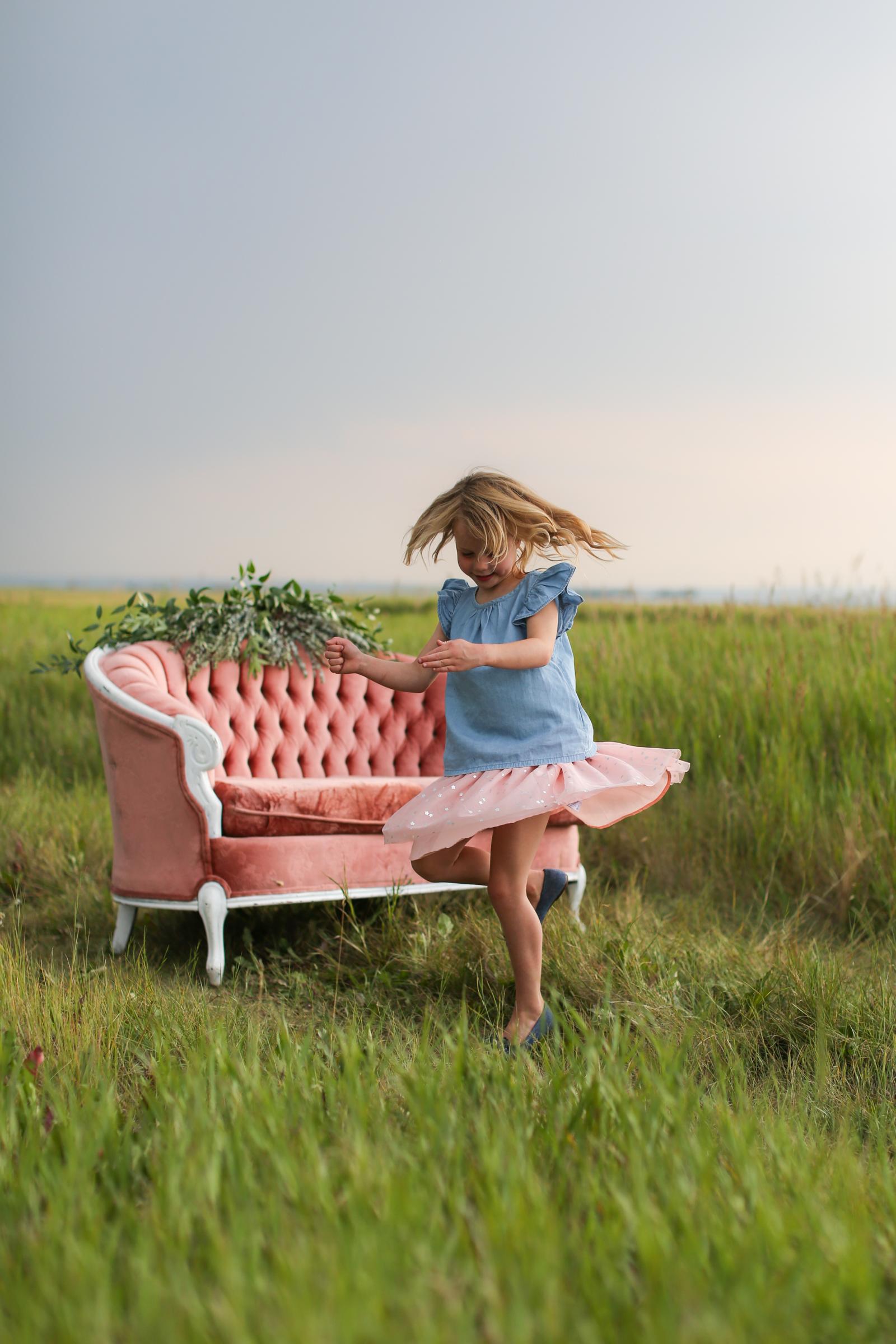 Lindsay_Skeans_Photography-Sofa_Sessions-30.jpg