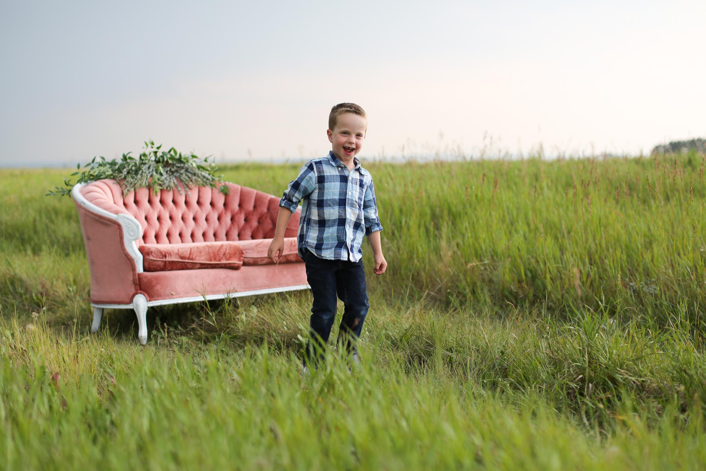 Lindsay_Skeans_Photography-Sofa_Sessions-31.jpg