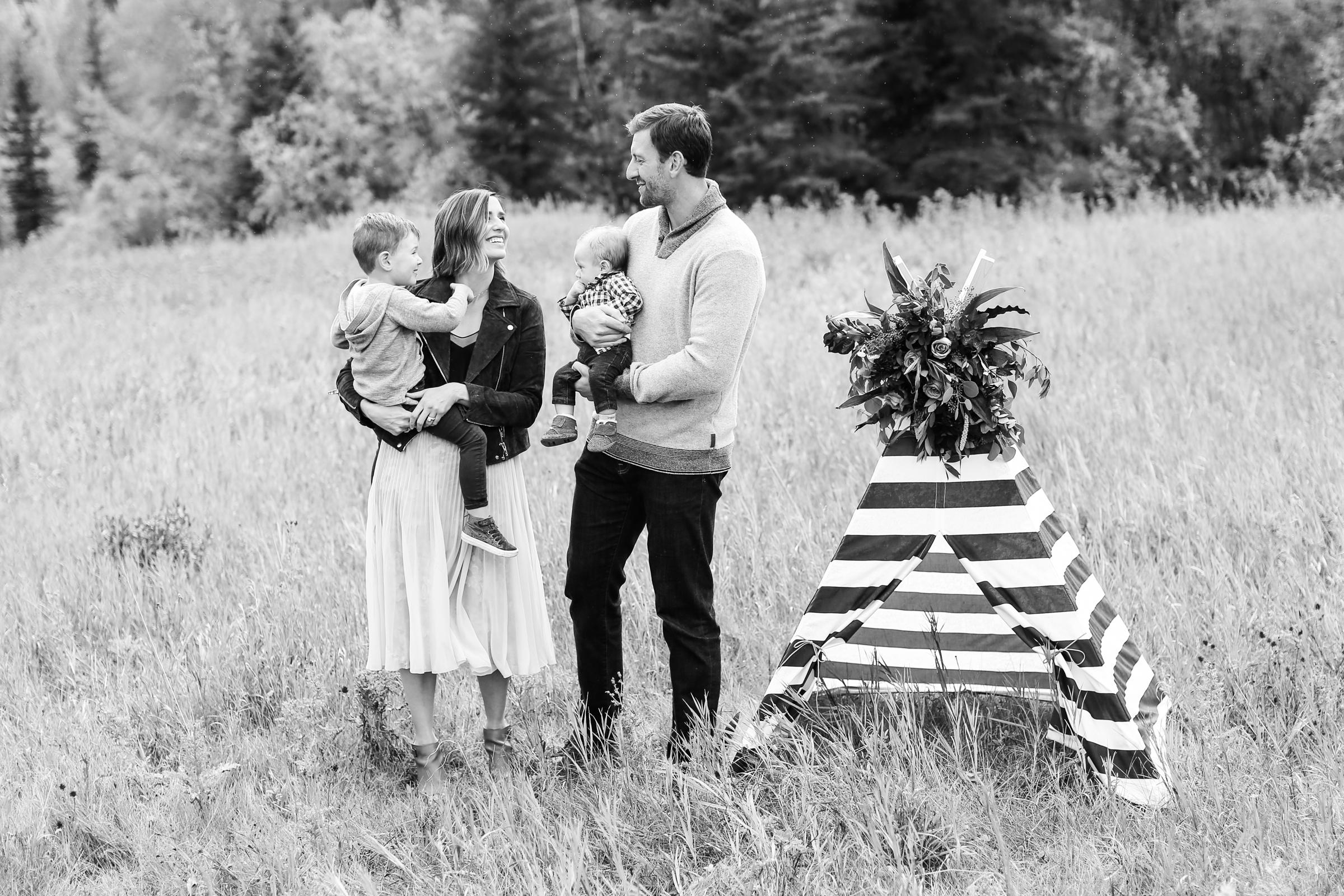 Fall-Family-Creative-Lindsay_Skeans_Photography-11.jpg