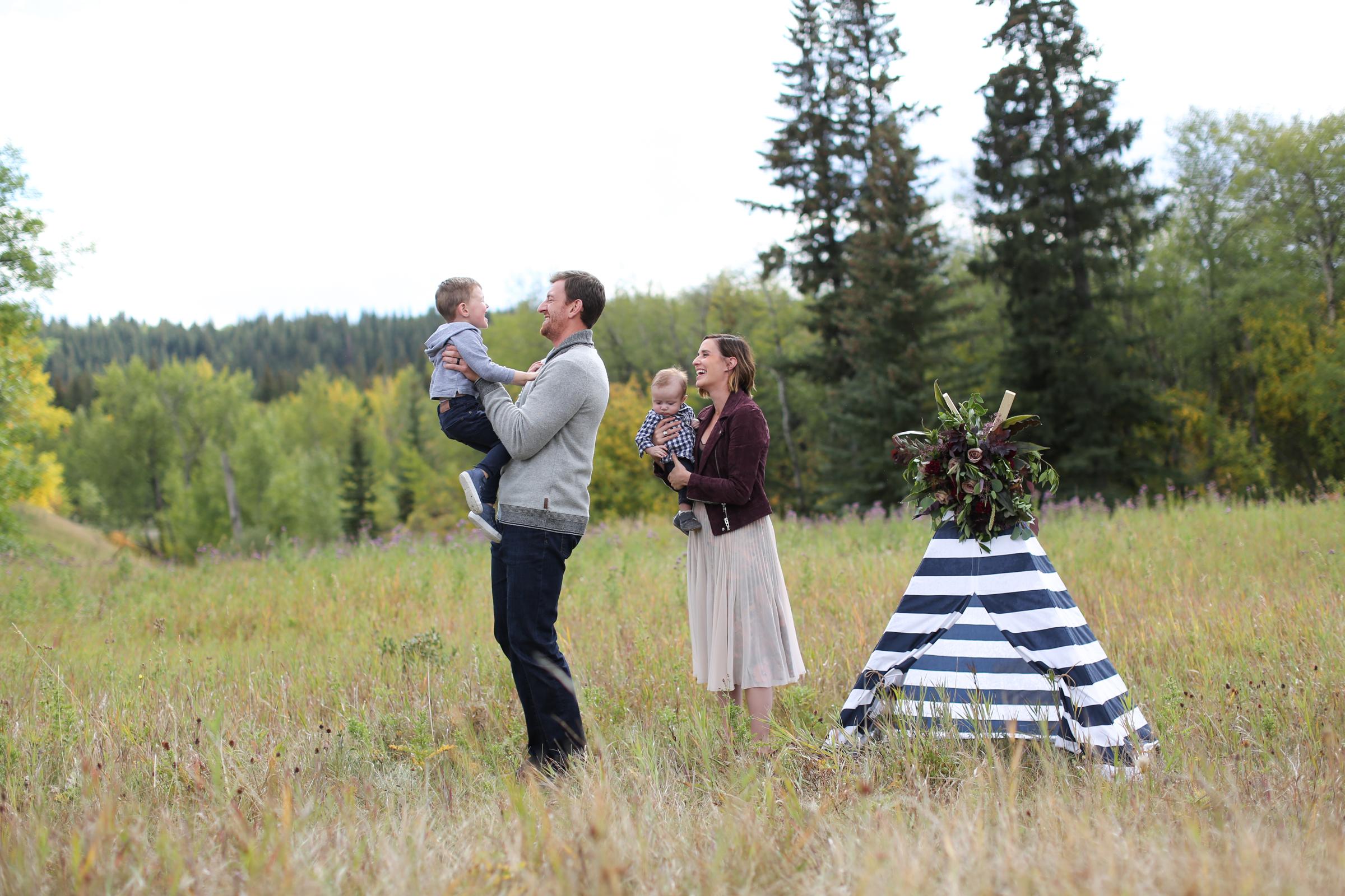 Fall-Family-Creative-Lindsay_Skeans_Photography-14.jpg