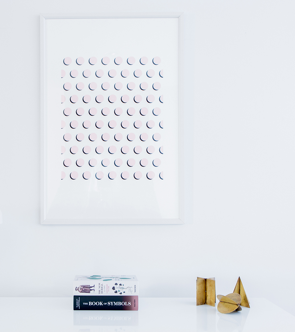 White minimalist frame