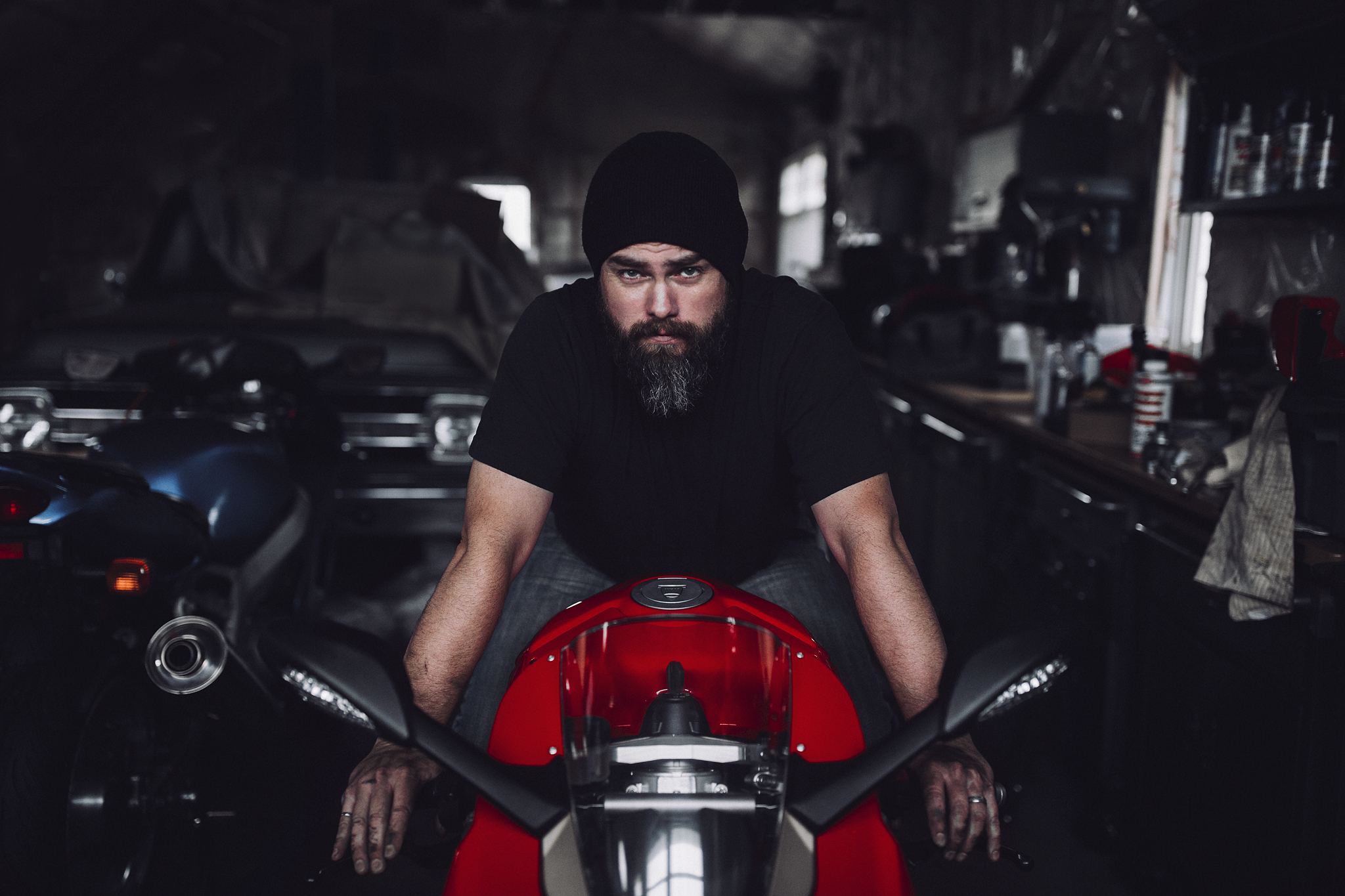 FB size Ducati retouched 3.jpg