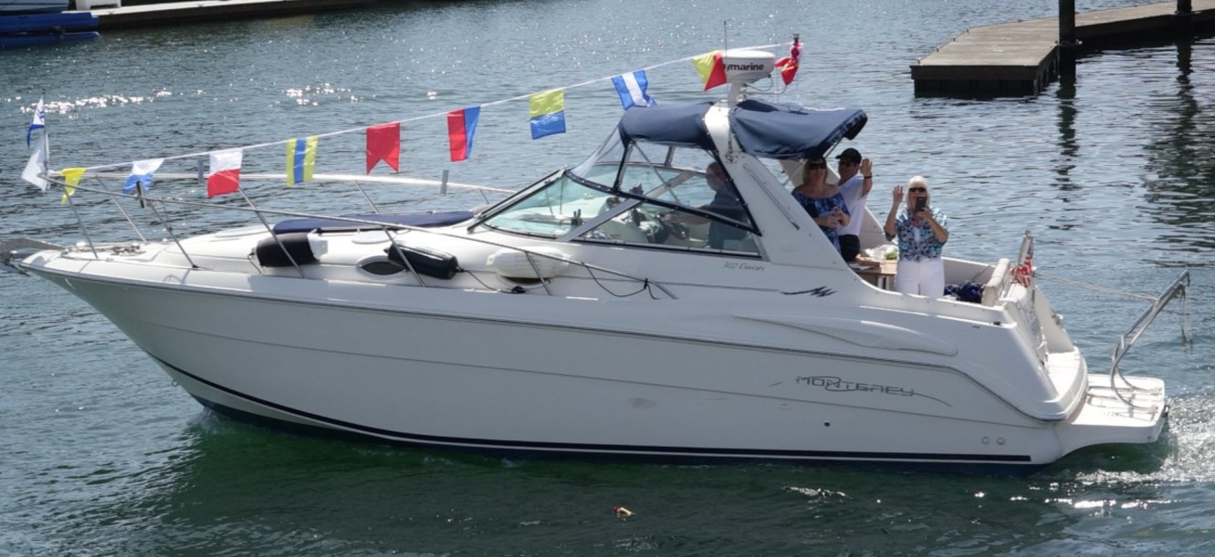 10 boat waving.jpg