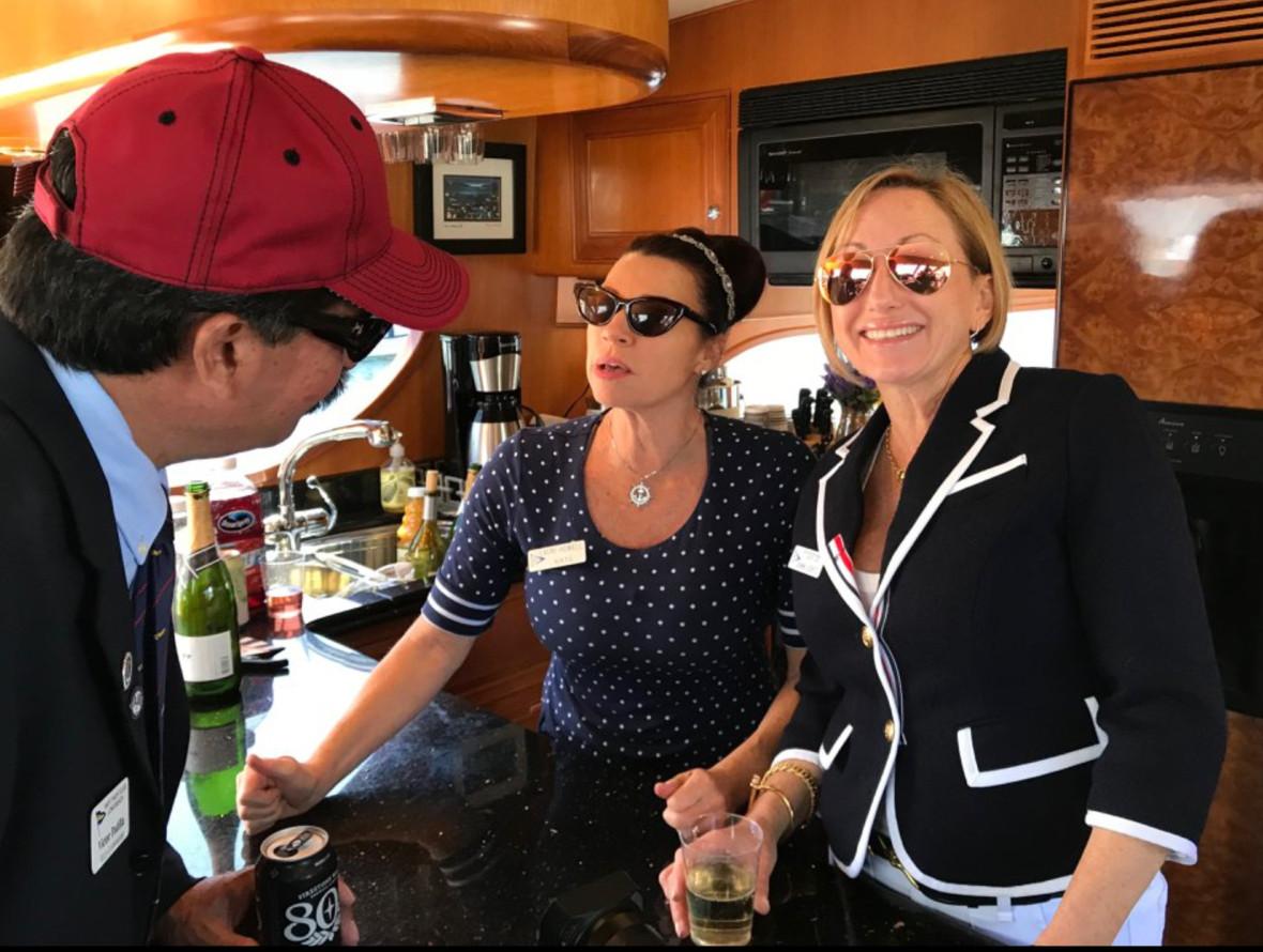 Dawn and Lauri at bar.jpg