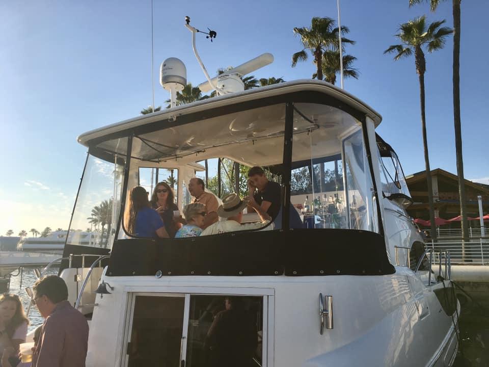 Dave Johnstons boat showing bar setup.jpg