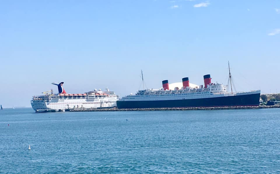 The Queen Mary and cruise ship.jpg