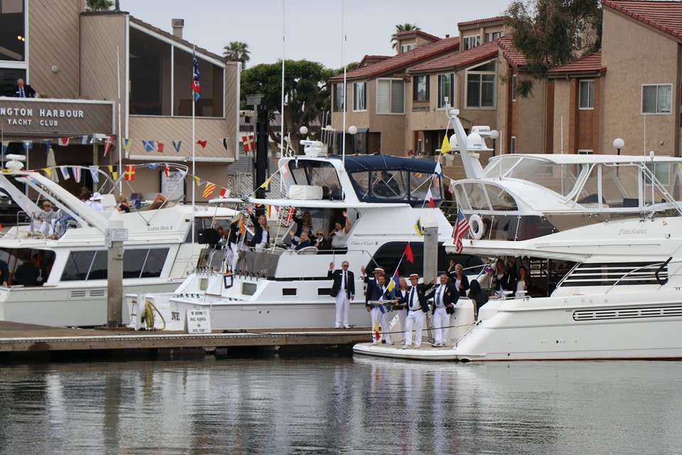 3 Boats infront of club ready to leave for parade.jpg