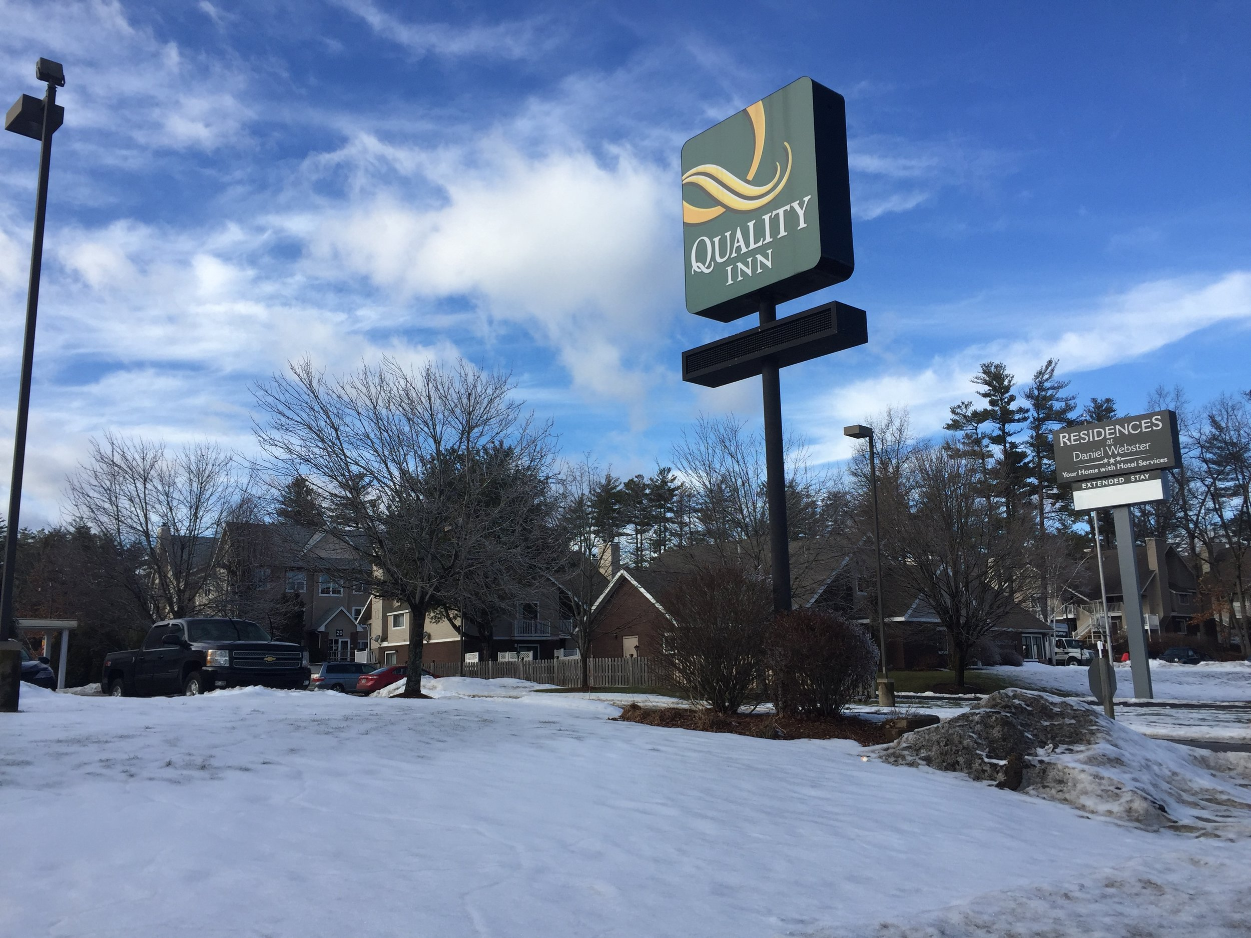 The Quality Inn and Daniel Webster Residences in Merrimack are within 100 feet from one another and the highway.  CREDIT PAIGE SUTHERLAND/NHPR