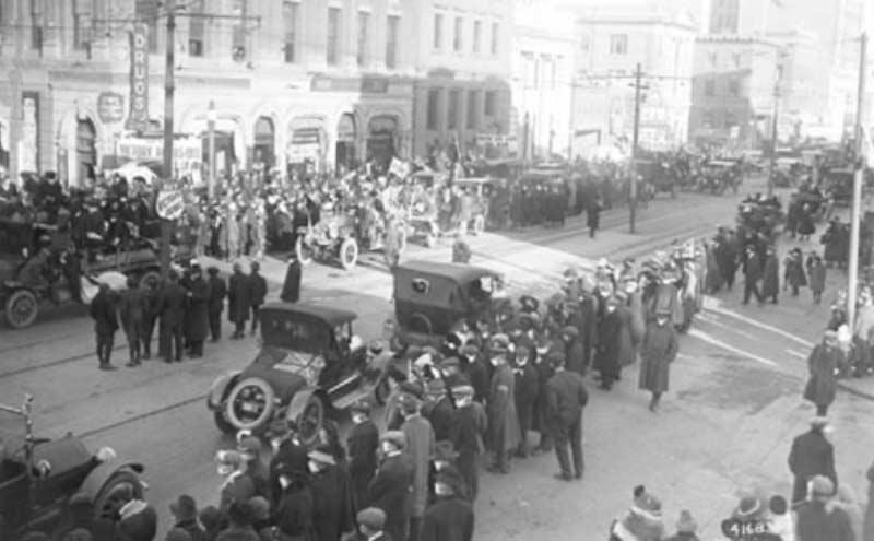 Armistice Parade, Jasper Avenue, Edmonton, November 1918, Photographer:McDermid Studio, Edmonton, Glenbow Archives NC-6-4168