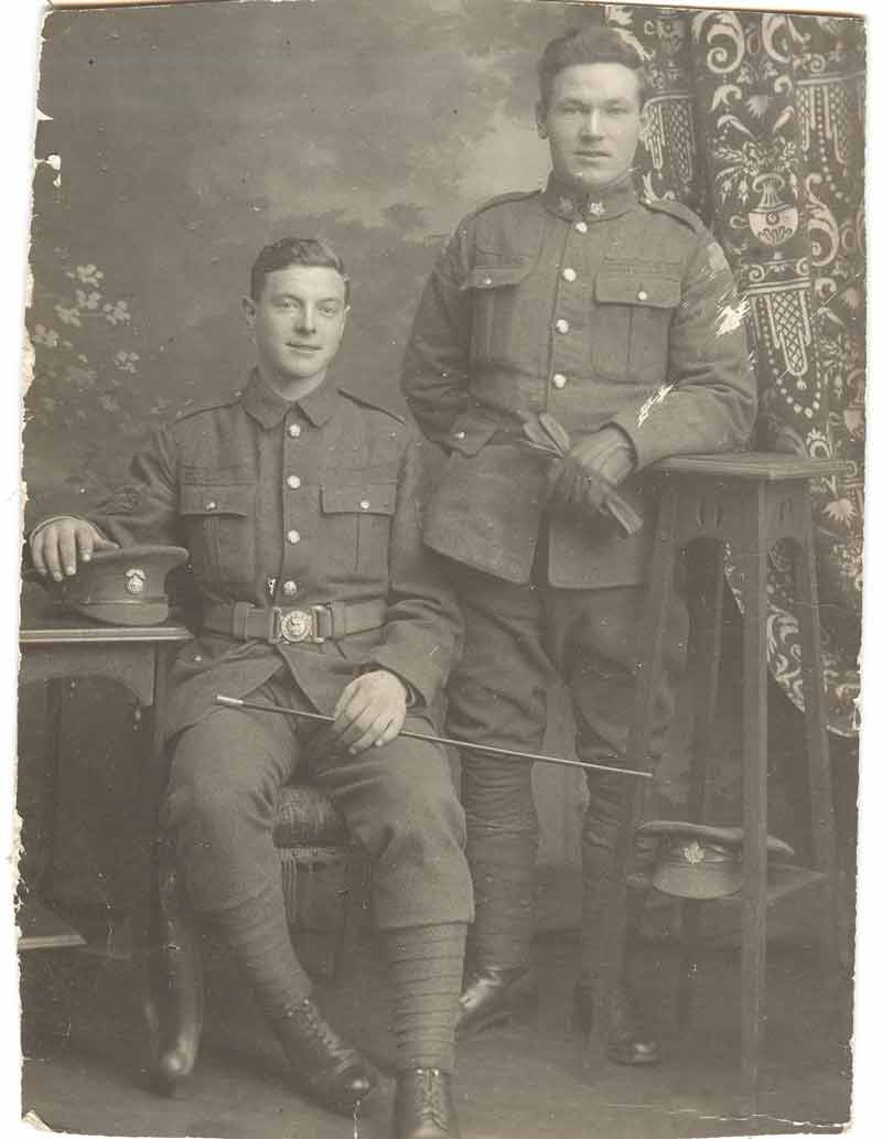 robert_allinson_seated_walter_allinson_ww1_001_2018_01_06_18_17_35_utc.jpg