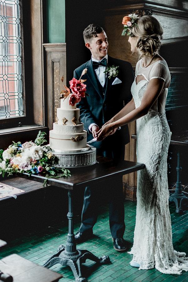 Pittsburgh Vintage Heirloom Wedding Cake