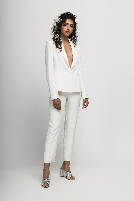 Alexandra Grecco -  Vita Suit .