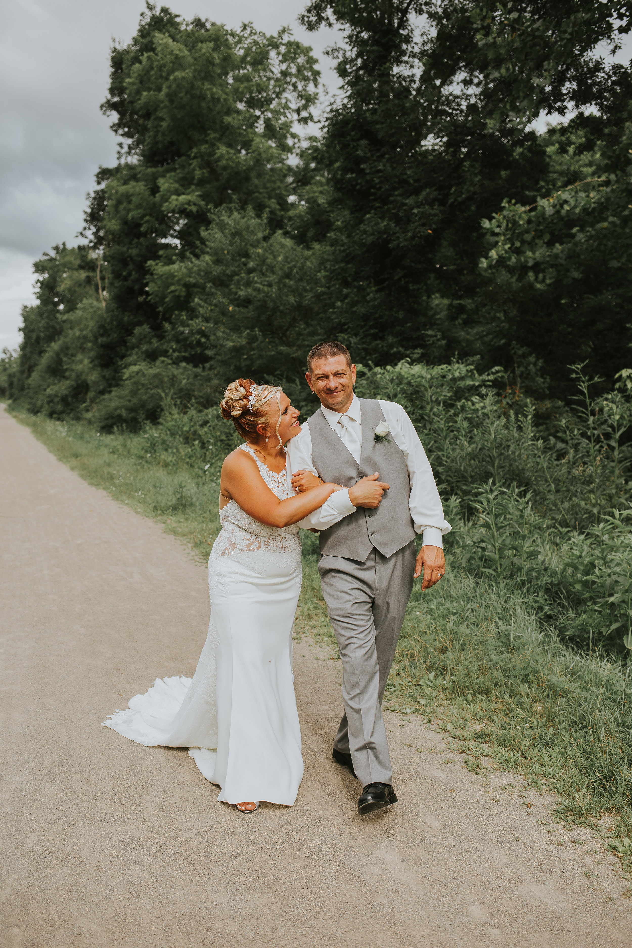 Ligonier western Pennsylvania rustic glamour outdoor summer wedding portrait