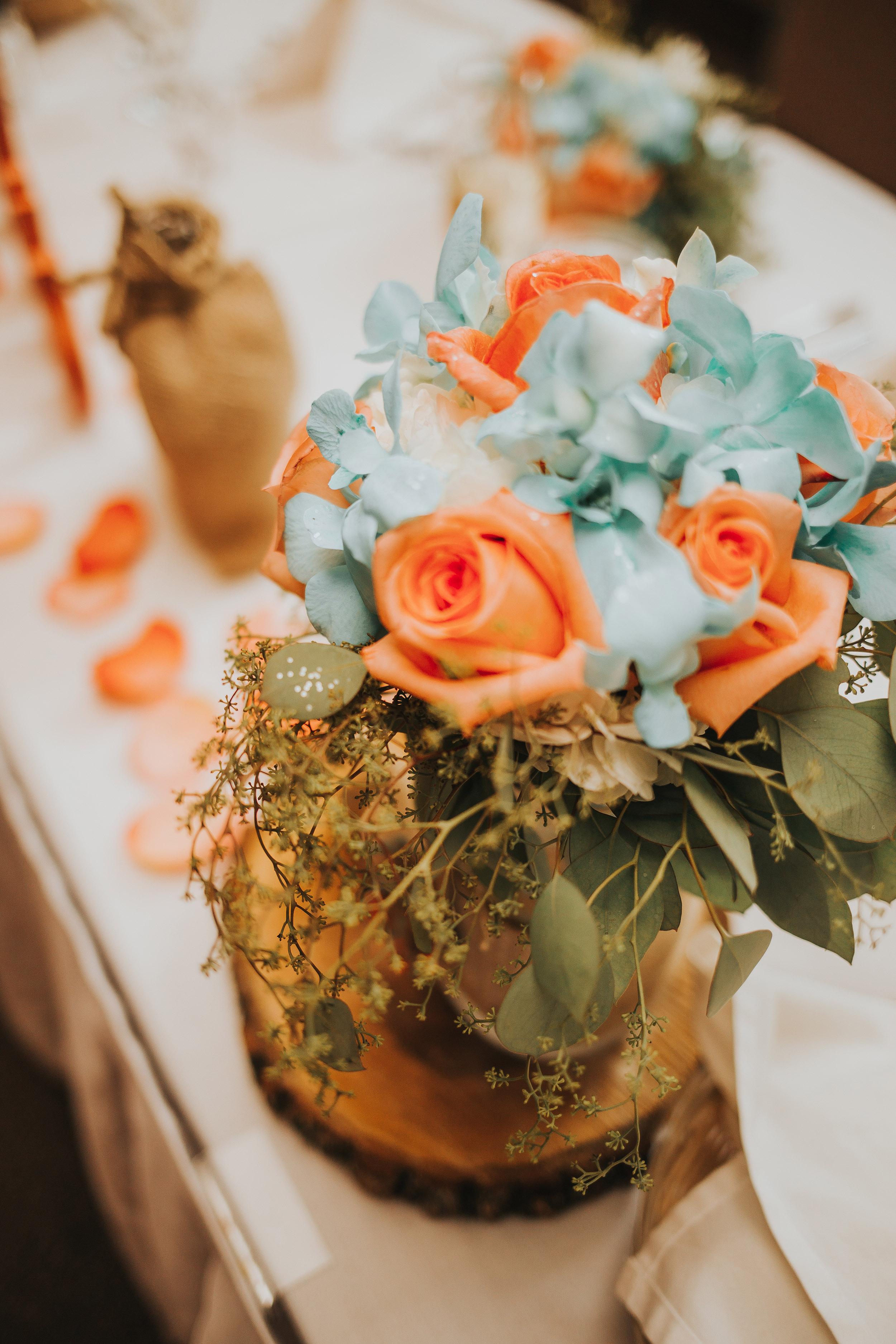ligonier western Pennsylvania rustic glamour summer outdoor wedding flower