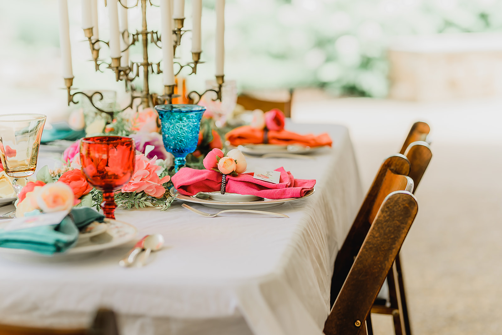 bright_colored_guest_table_summer_pittsburgh_botanic_garden_wedding_pippas_pieces_bespoke_and_beloved_events