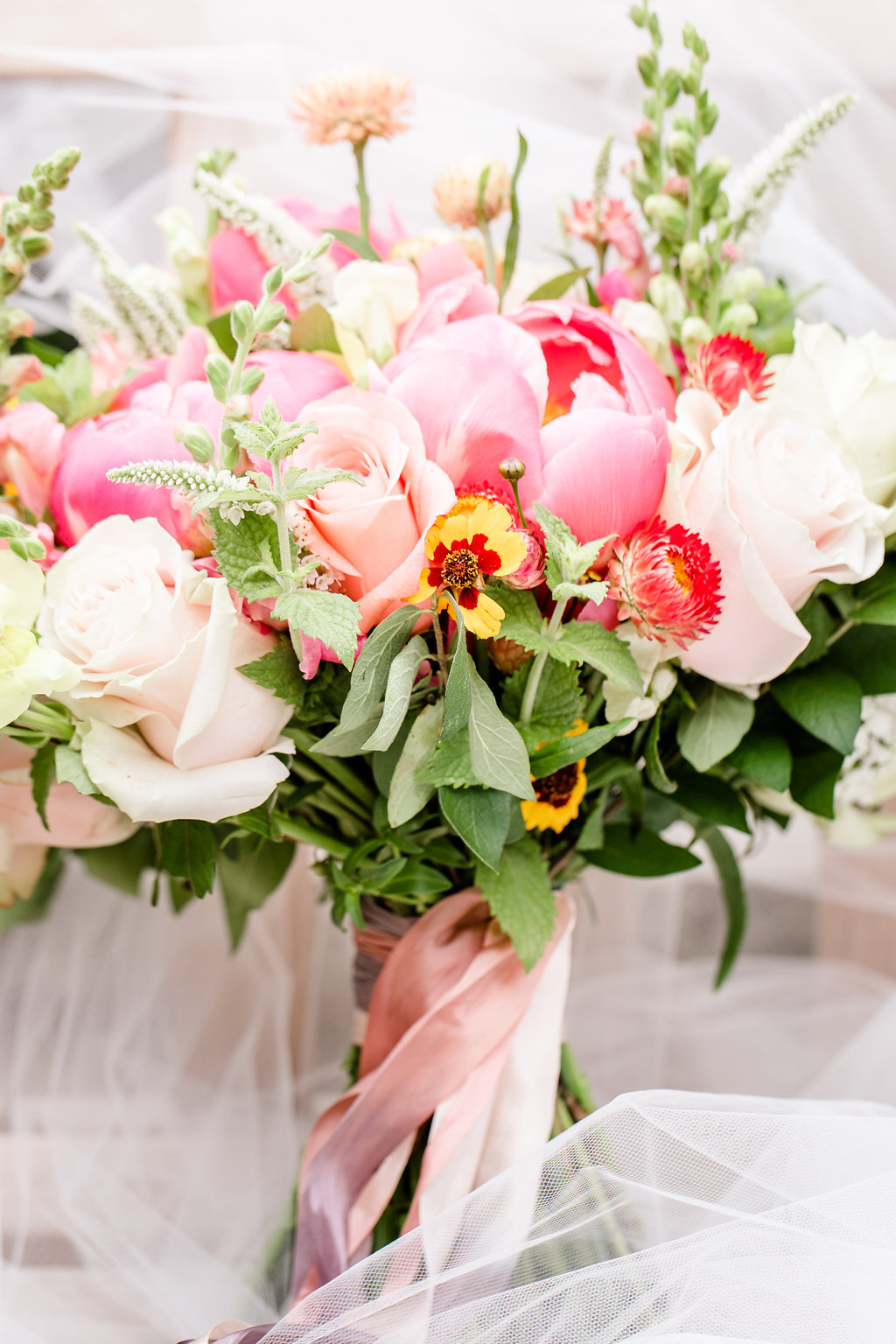 bright_colors_summer_wedding_ bouquet_the_farmers_daughter_bespoke_and_beloved_events