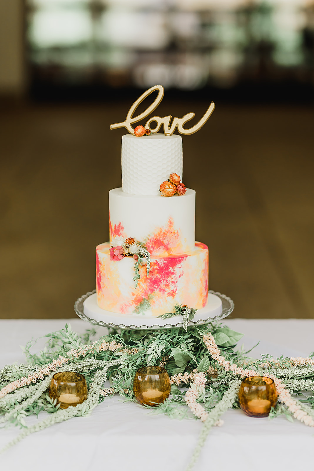 watercolor_honeycomb_stamped_fondant_wedding_ cake_four_oaks_bakery_bespoke_and_beloved_events_pittsburgh_botanic_gardens_summer_wedding