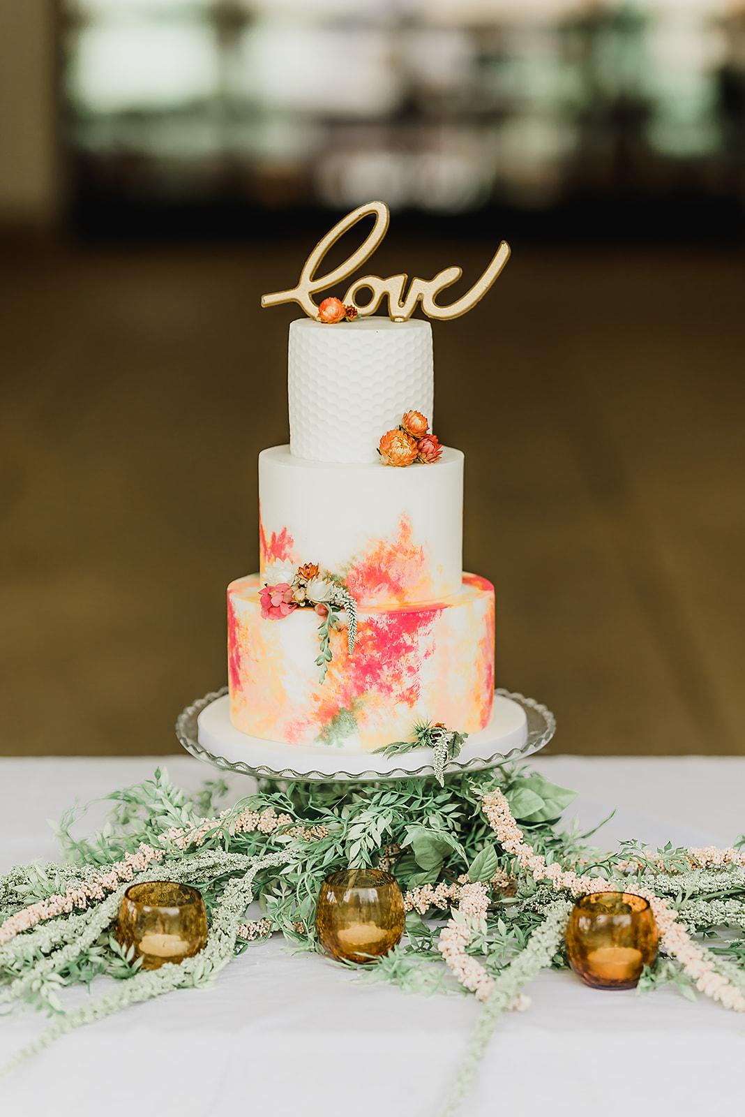 watercolor_honeycomb_stamped_fondant_wedding_ cake_four_oaks_bakery_bespoke_and_beloved_events_pittsburgh_botanic_gardens_summer_wedding