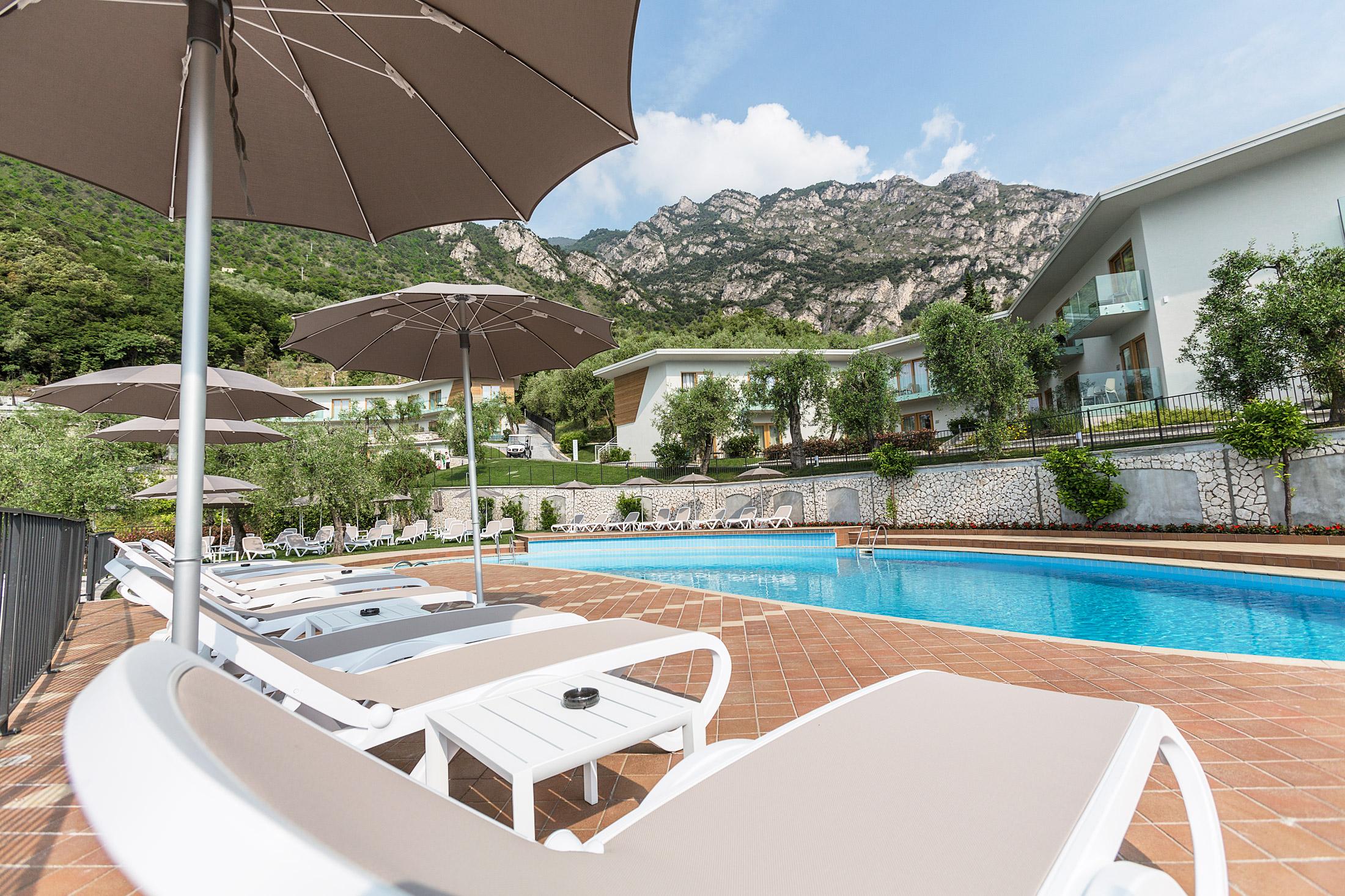 limone_sul_garda_hotel_atilius_piscina102.jpg