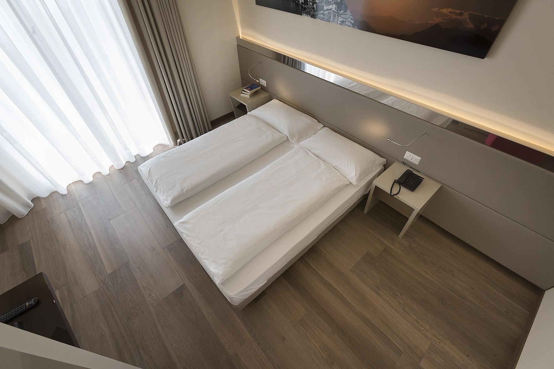 hotel_atilius_limone_camera_doppia_vista_lago_con_balcone404.jpg
