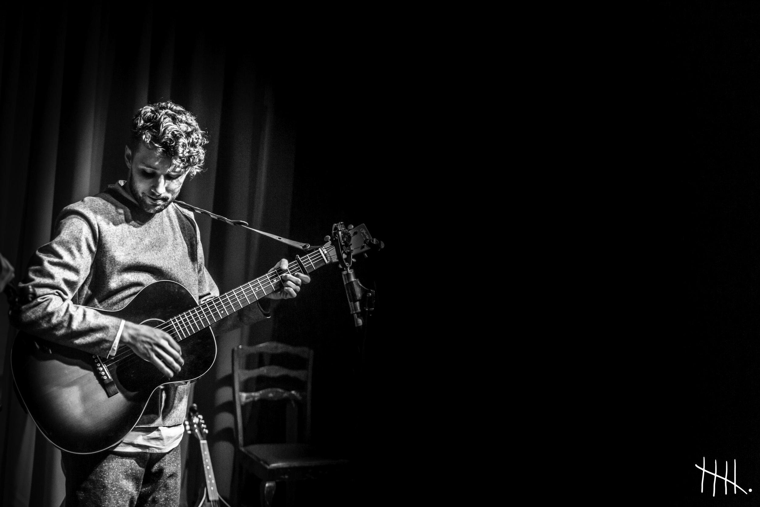 Keegan Live 02 -(photocredit -Susie Beth George.jpg