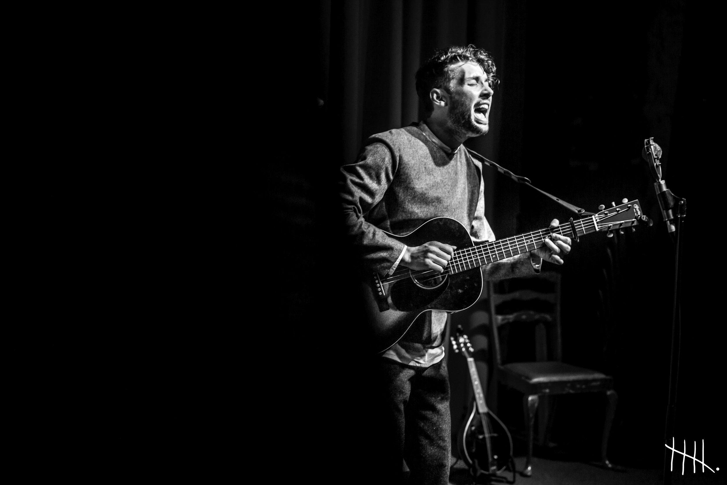 Keegan Live 03 -(photocredit -Susie Beth George.jpg