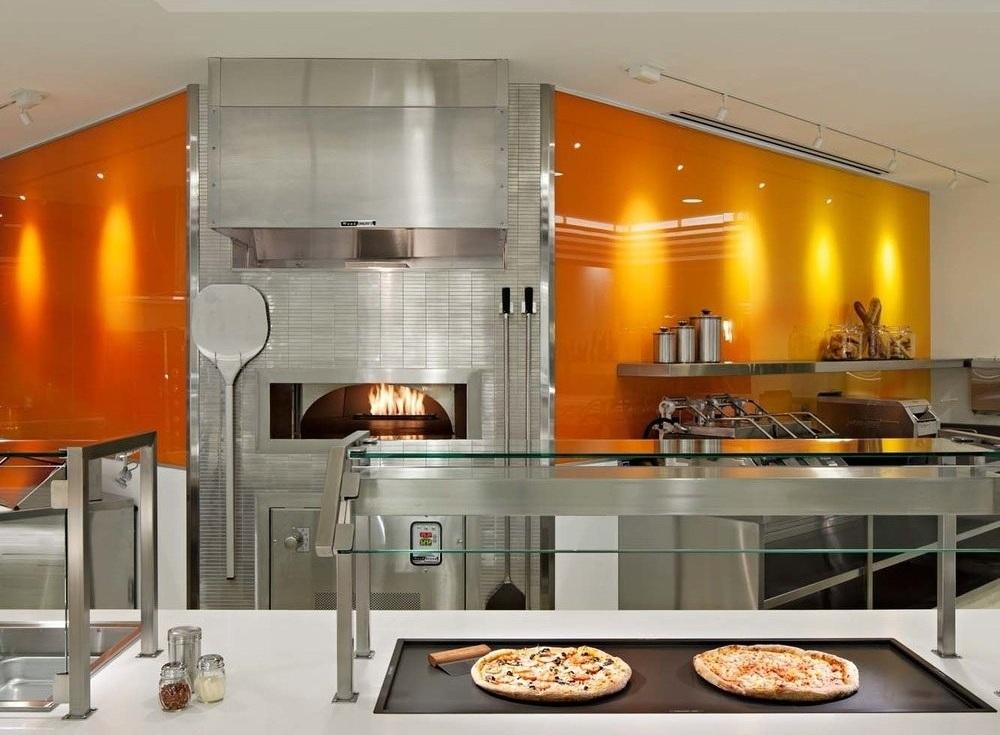PizzaKitchen.jpg