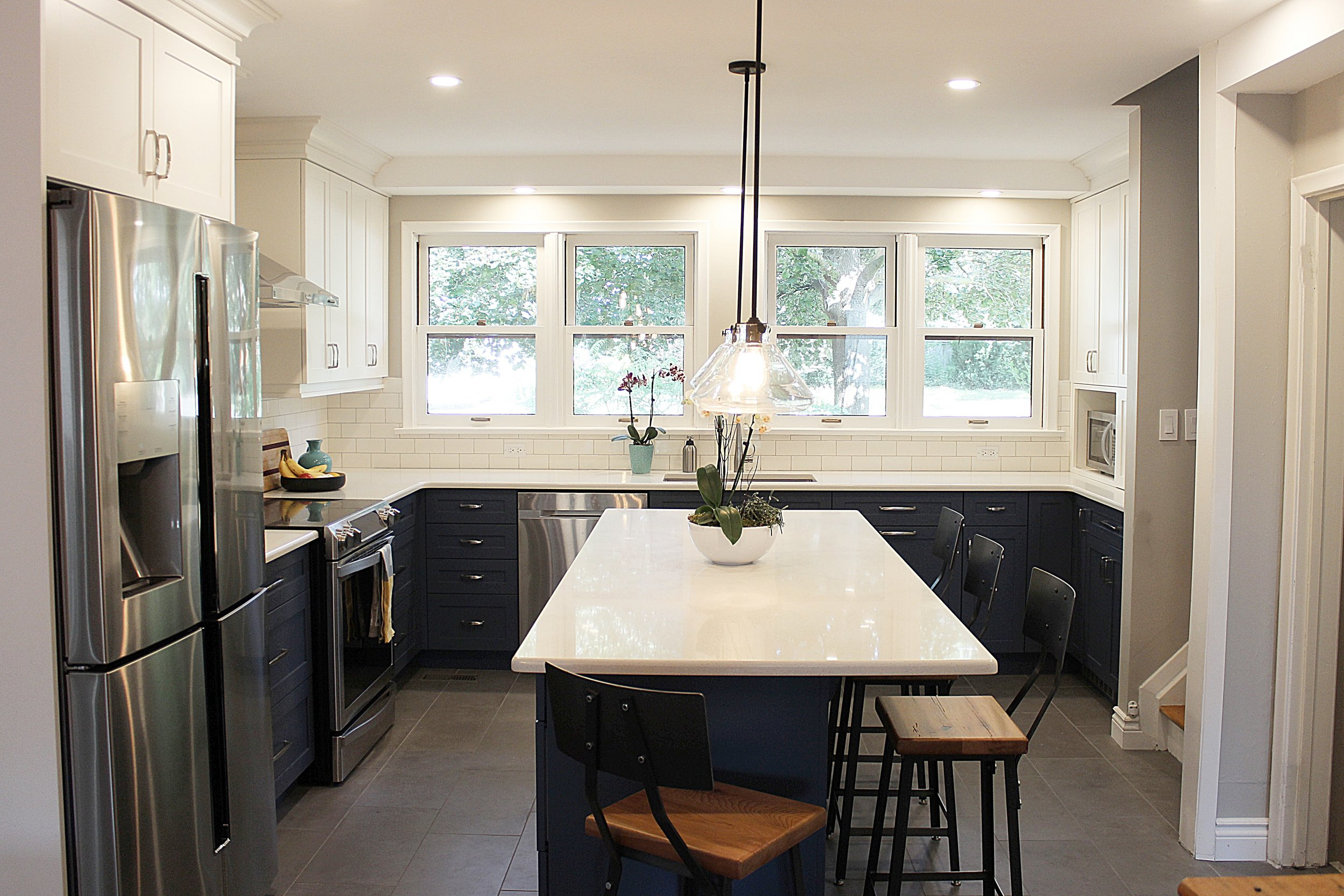 kmsd two toned Guelph kitchen