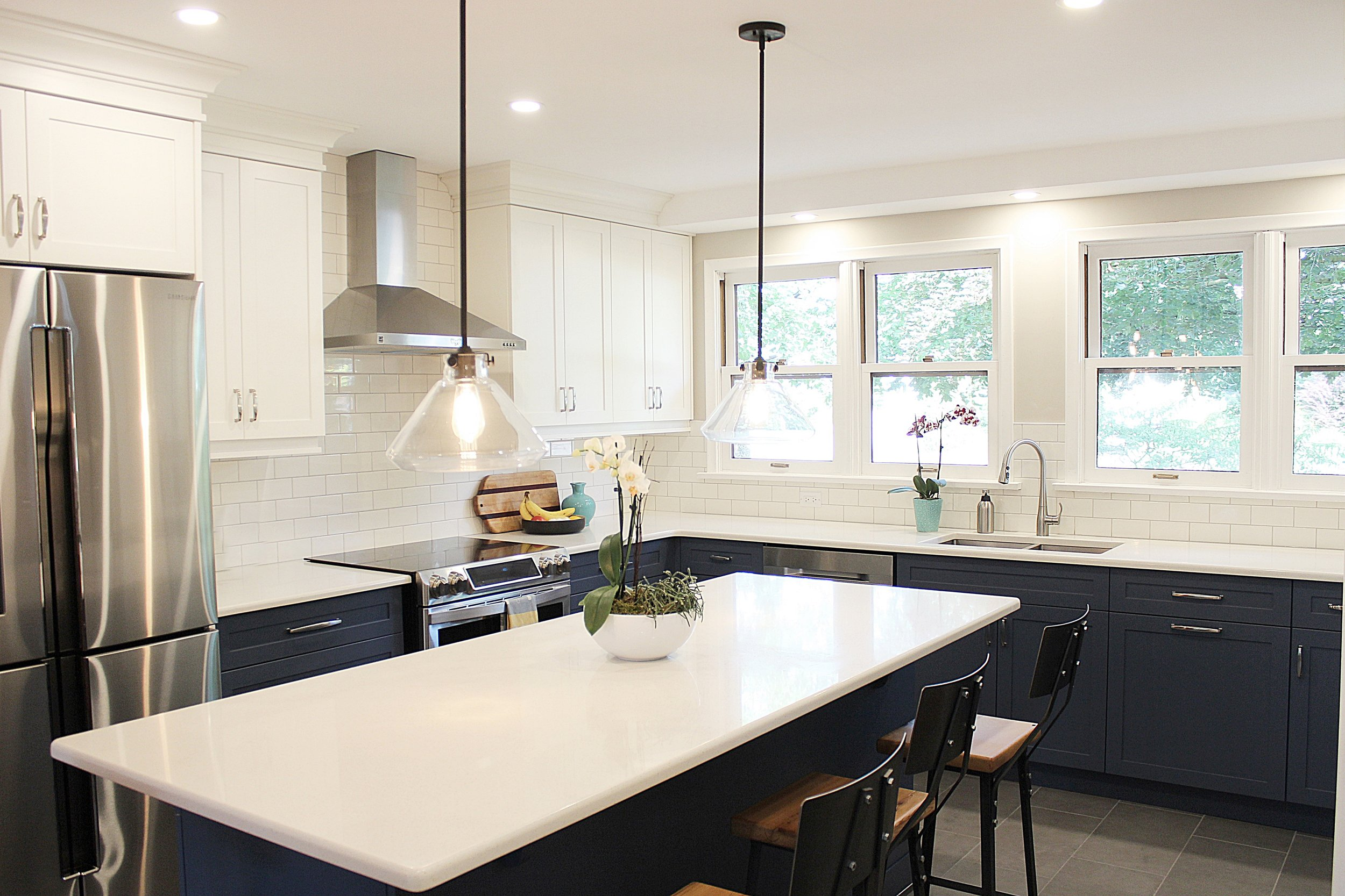 kmsd guelph family two toned kitchen
