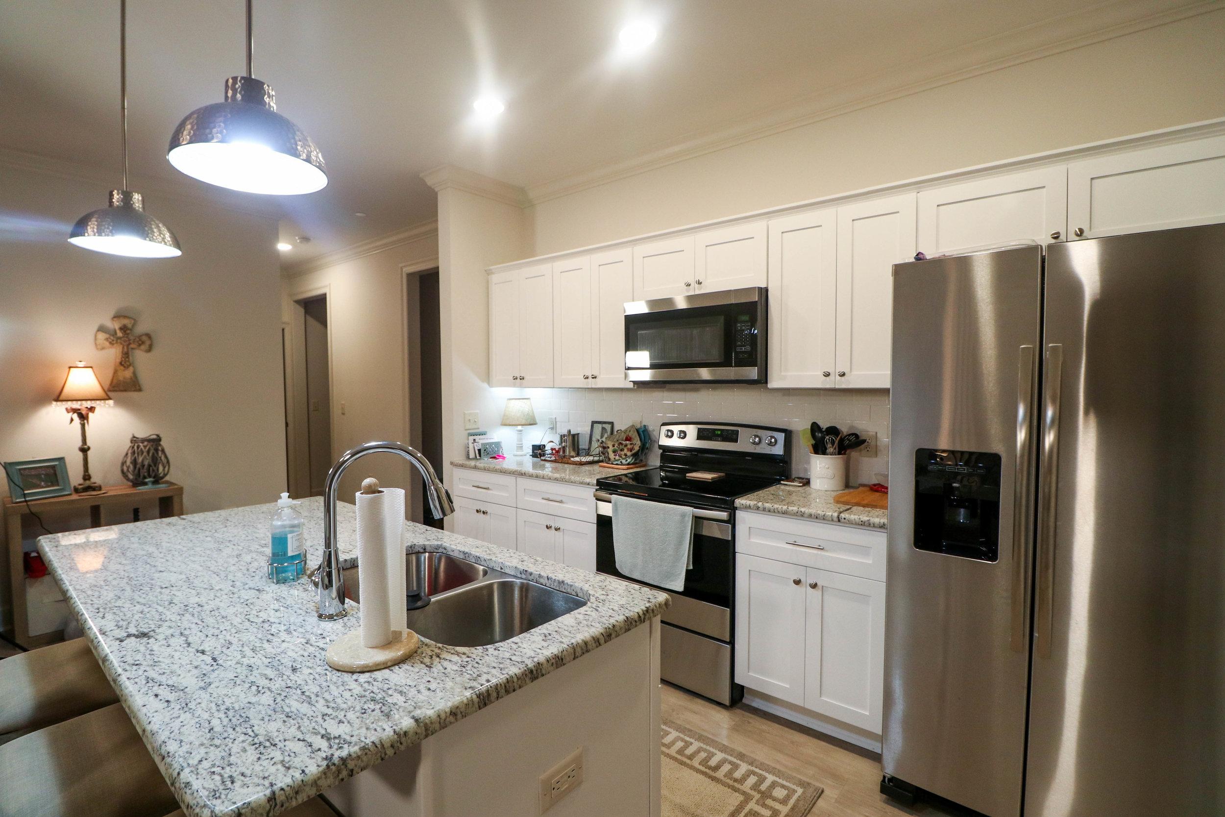 1BR Kitchen_.jpg