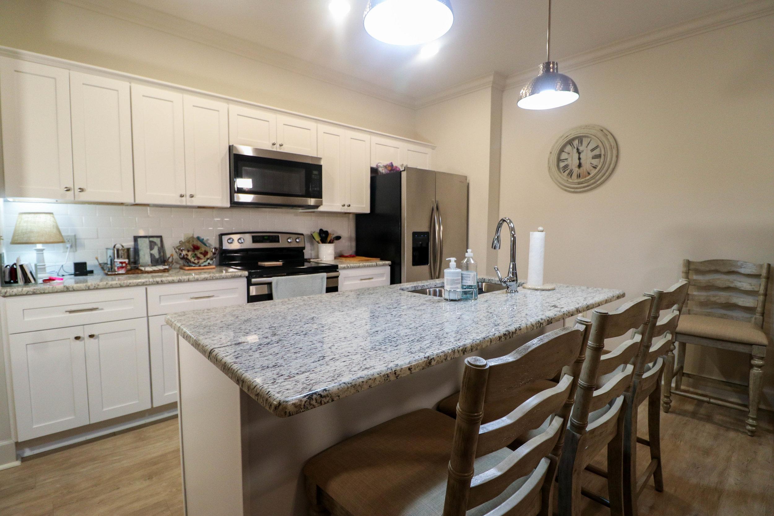 1BR Kitchen2.jpg