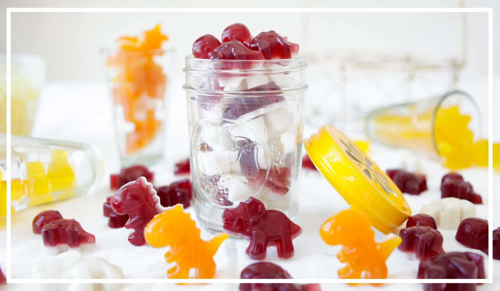 Cute right? Doesn't it make you want to eat a dinosaur? Image from http://www.loveurbelly.com/2014/01/yummy-gummy-lollies-made-with-gut.html