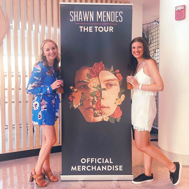 I'll be dreaming about last night for awhile. Thanks @shawnmendes for the incredible show 💞