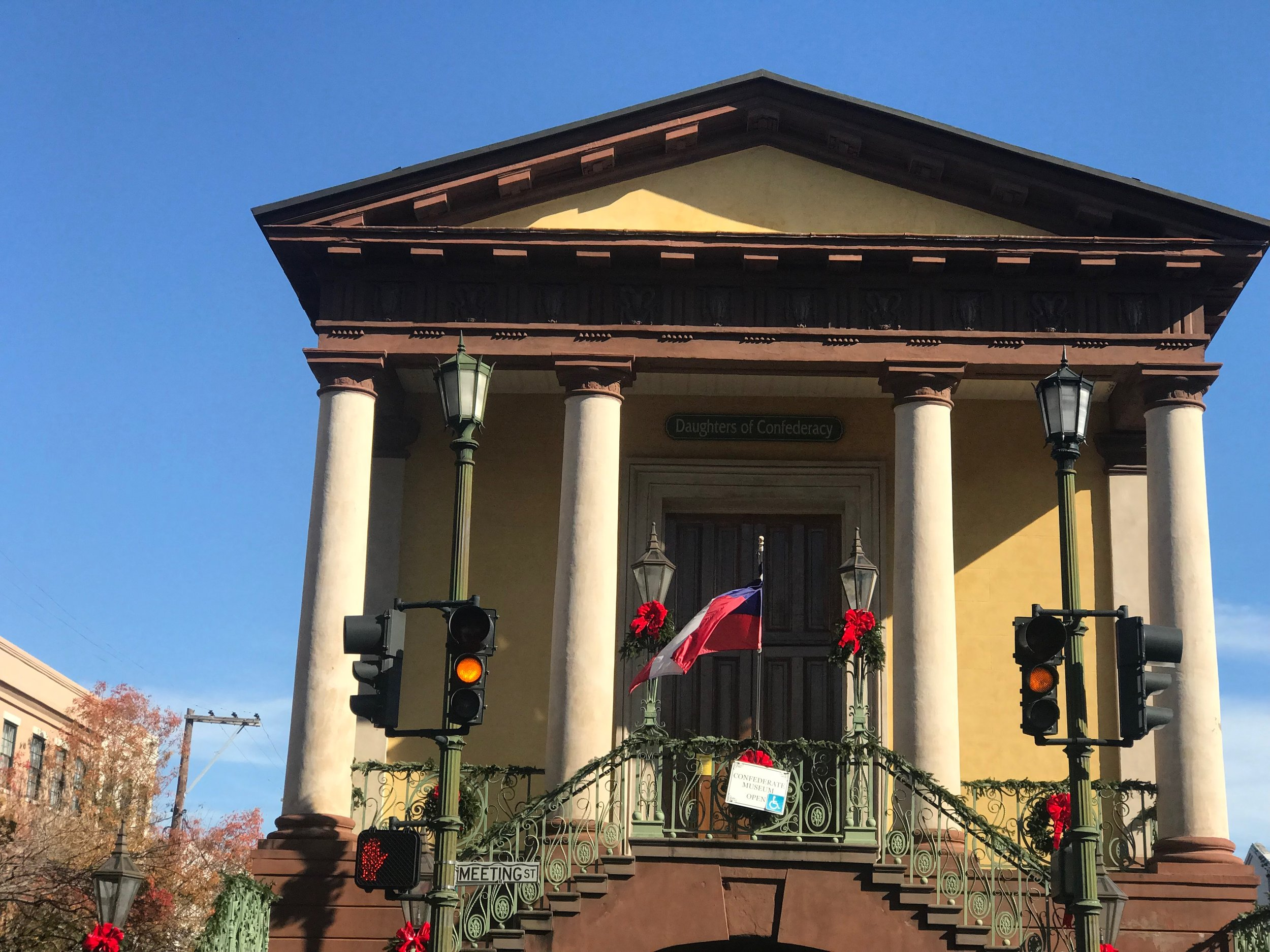 The Museum of the Confederacy, run by the Daughters of the Confederacy, sits upstairs in the historic Charleston Market building, built in 1841.