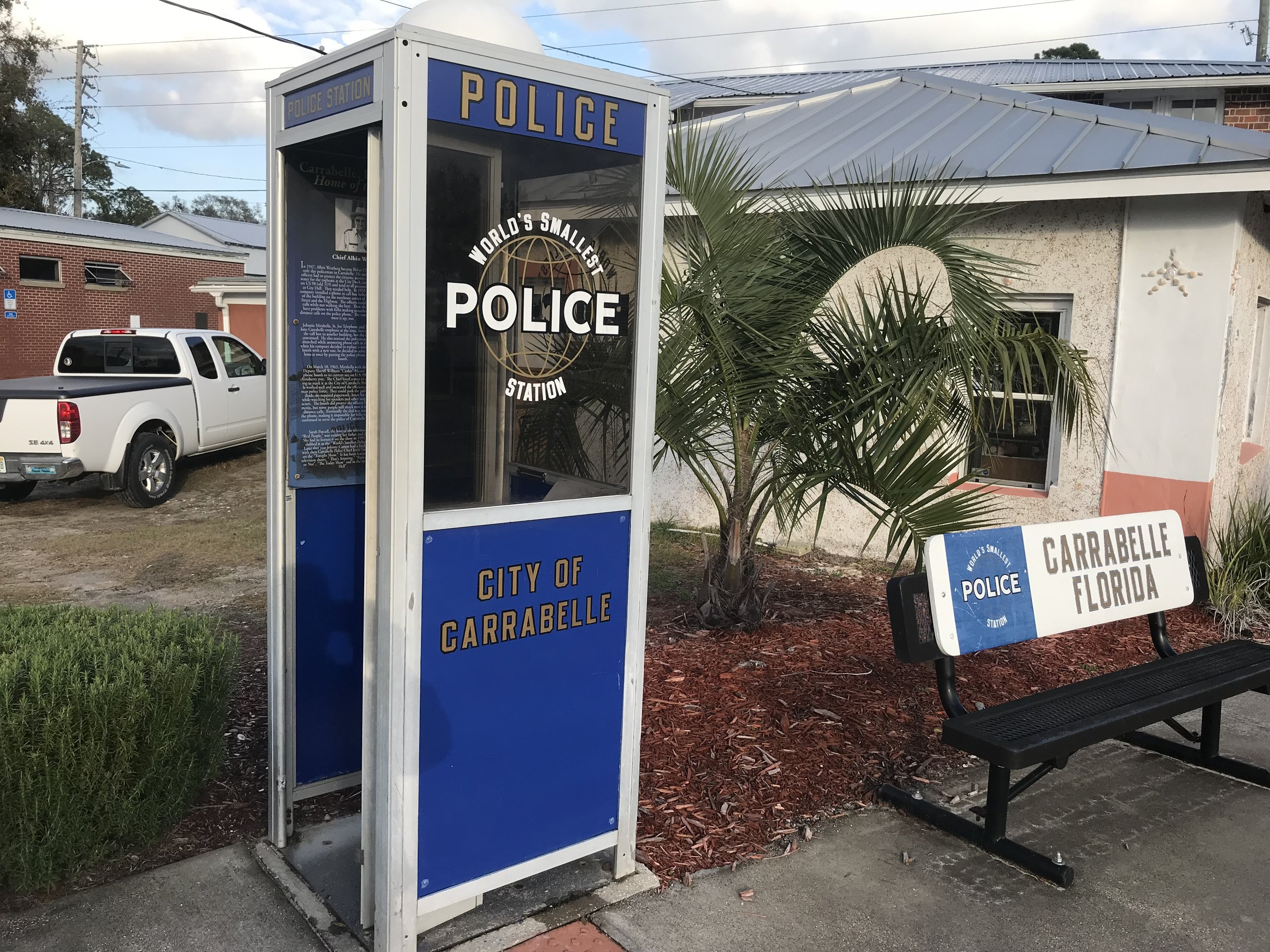 """The story of the police station in Carrabelle, Fla., located at the town's busiest intersection, sounds like an episode of """"Mayberry RFD."""""""
