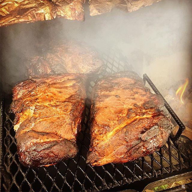 16 hours later. #bbq #diysmoker #barbecue #community #applewood #vinegar #eastern
