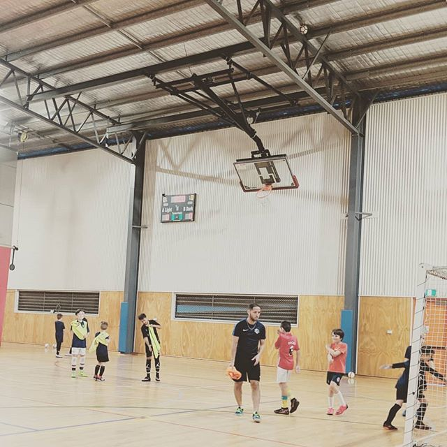 My work place this afternoon 😊 I'm watching my boys playing #futsal while updating a website. #lucky #happy . . . #onport80webdesign #webdesign #brisbanewebdesign #onlinemarketing #squarespace #brisbane #bulimbabusiness #smallbusiness #marketing #brisbanebusiness #bulimba #hawthorne #webdesigntips #fontstyle #font #branding #brand #seo #squarespacedesigner #tip #heatdrying #yogabusiness #blog #blogging #onlinemarketing #website