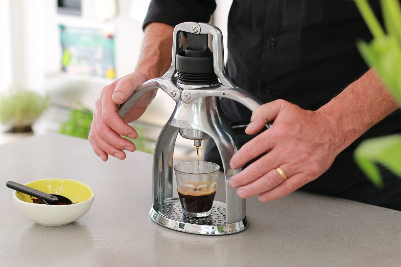 ROK_Espresso_GC_in_use_1280x854.jpg