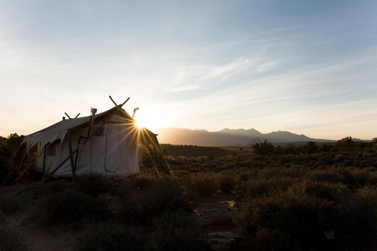 1017-SheLift-Moab-SunriseGoodbye2.jpg